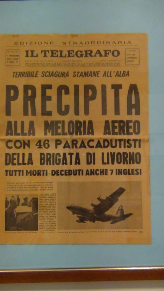 Pisa: Frame da il Museo della Folgore,  accanto all'ingresso del CAPAR (Smipar) (1/6)