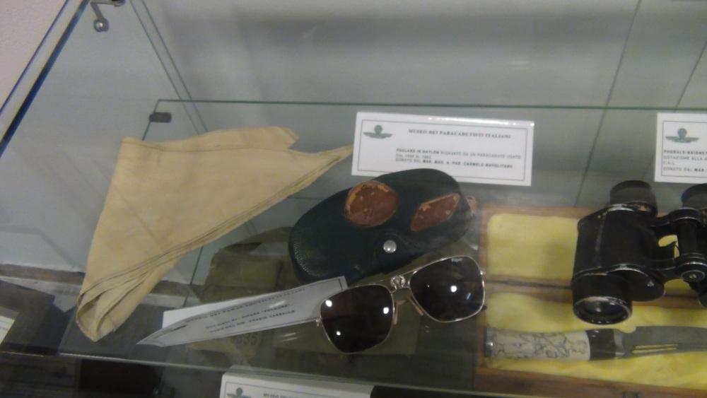Pisa: Frame da il Museo della Folgore,  accanto all'ingresso del CAPAR (Smipar) (5/6)